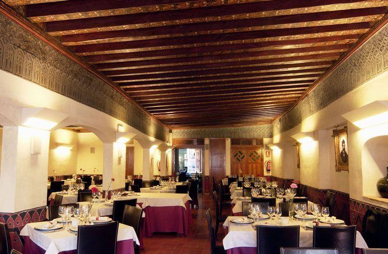 Restaurante El fogón Sefardí, comer un buen cochinillo en Segovia